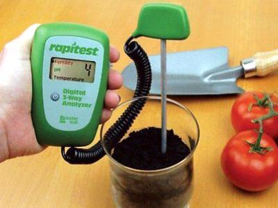 izmeritelnye-pribory-dlya-analiza-urovnya-ph-kislotnosti-vlazhnosti-temperatury-pochvy